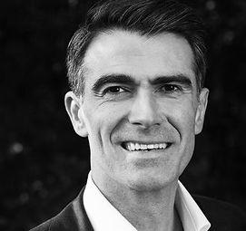 Dimitris Gioulekas är medgrundare och VD till Knightec,ett konsultföretag med inriktning på agil utveckling, kvalitetssäkring, projektledning, produktutveckling, produktion och anläggningsprojekt.