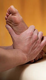 6-osteopathy-treatment-for-leg-pain-microgen-imagesscience-photo-library_edited.jpg