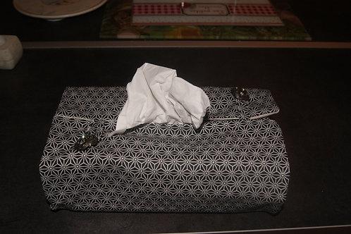 pochette pour boite de mouchoirs en papiers noire