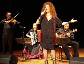 Fay Sussman performing in Poland