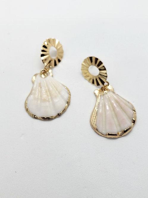 Gold embossed seashells