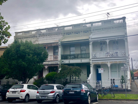 Did the weather put off todays buyers in South Melbourne?