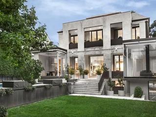 Melbourne prestige property market going 'gangbusters'