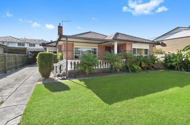 60 Russel Street For Sale