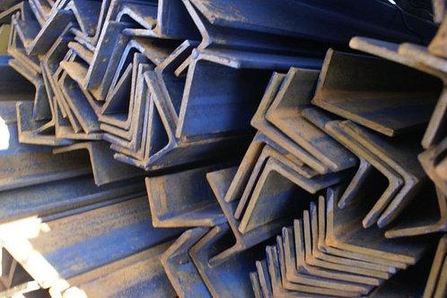 Уголок стальной неравнополочный 75x50x6 ст 3пс/сп ГОСТ 8510-86 длиной 12 метров