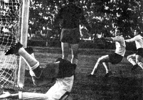 Neftchi-1961-1970-85.jpg