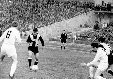 Neftchi-1961-1970-70.jpg