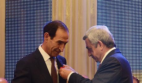 40 лет. Торжественный вечер, вручение наград Президентом Армении, Месропян