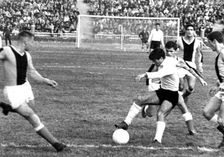 Neftchi-1961-1970-87.jpg
