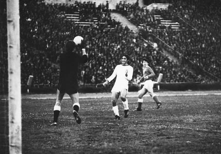 Neftchi-1961-1970-41.jpg