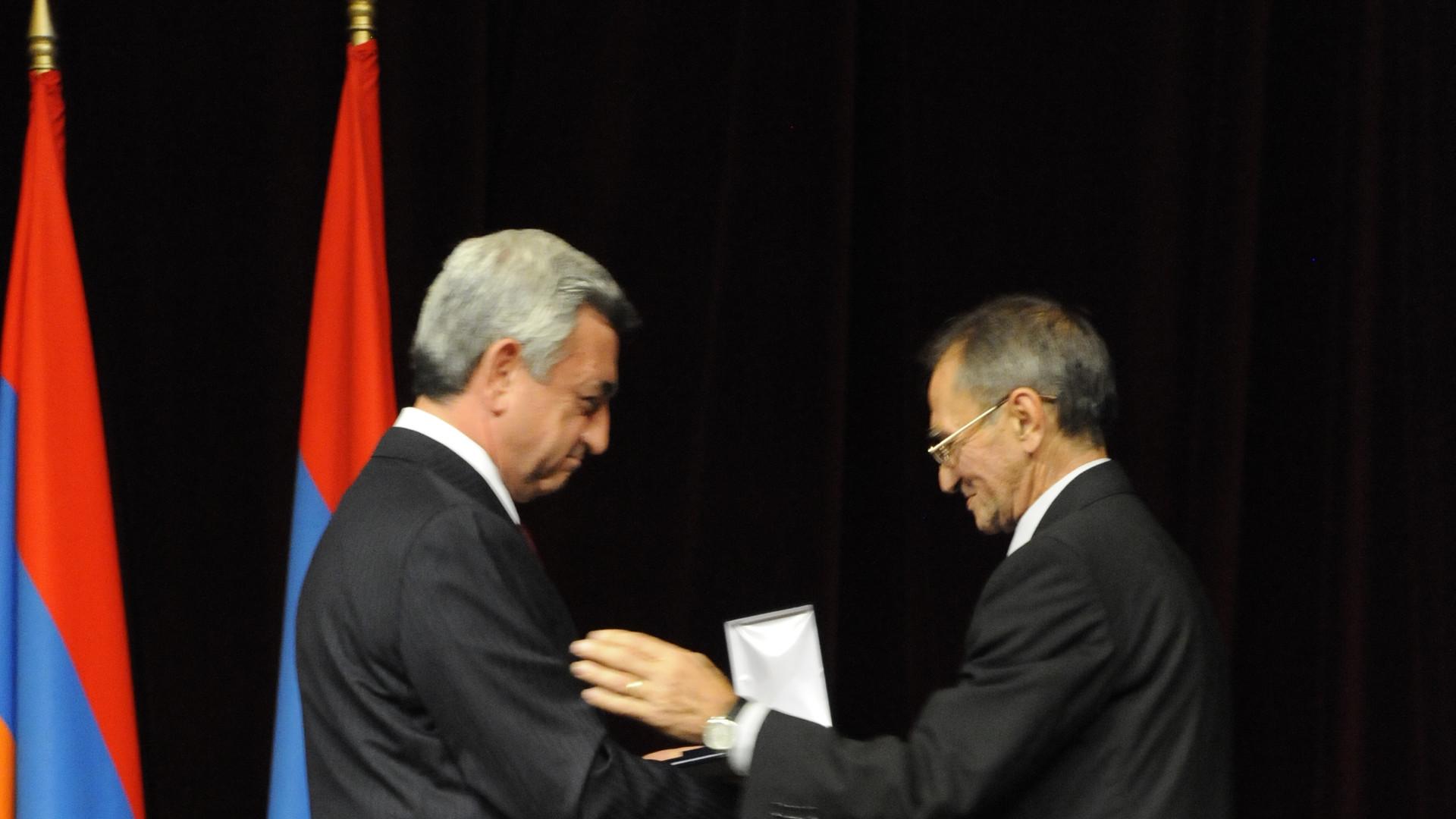 Маркаров вручение медали. Президент Армении, Маркаров