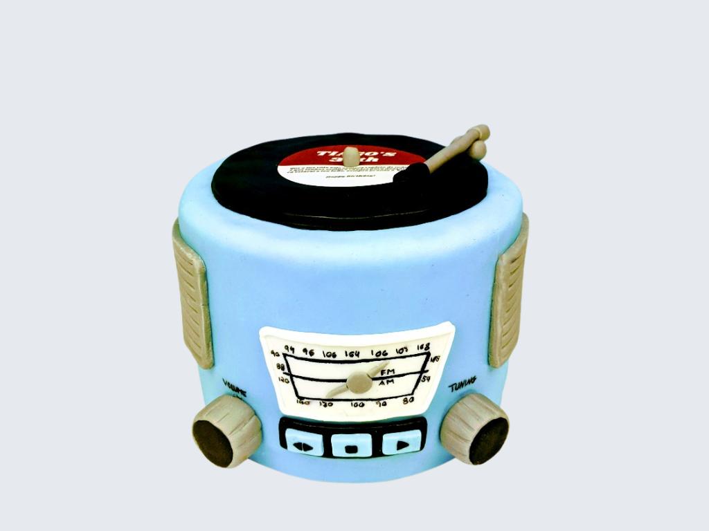 Vintage Record Player Cake