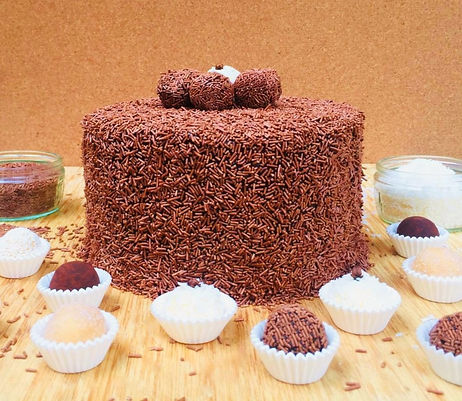 brigadeiro%20cake%20table_edited.jpg
