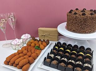 Mini party box, cake, brigadeiros & salgadinhos