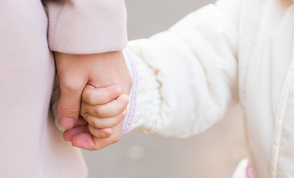 child-holding-mothers-hand-PLTY6J7_edite