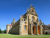 Kladrubský_klášter_benediktýnů_s_kostele