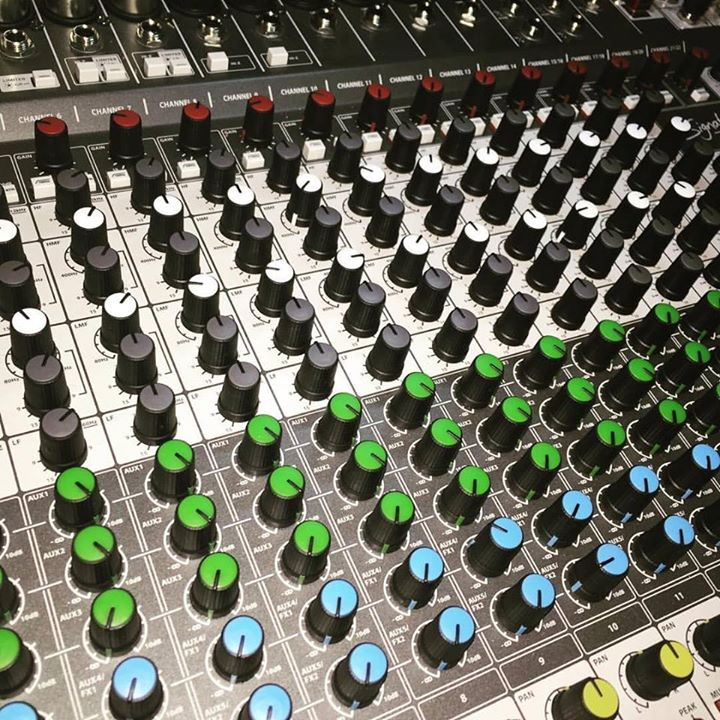 My Soundcraft Signature 22MTK Analog Console