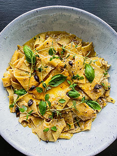 BLACK GARLIC, LEMON AND CREAM PAPPARDELLE