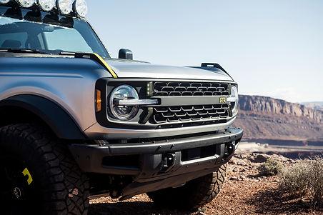 RTR-Vehicles-custom-Bronco-four-door-SUV