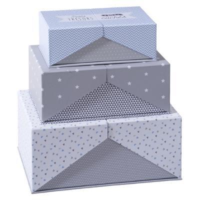 Sada šedých kartonových boxů
