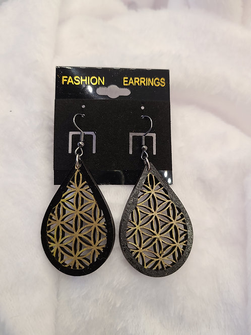 Gold inlay dangle earrings
