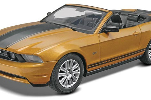 Revell 2010 Ford Mustang GT Convertible