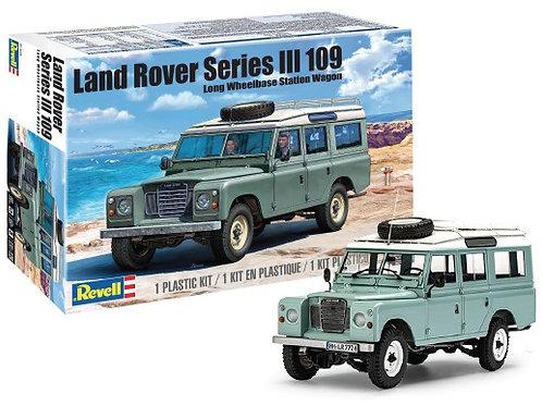 Revell Land Rover Series III 109 Long Wheelbase Wagon