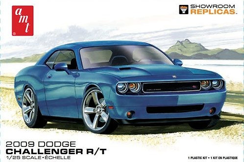AMT 2009 Dodge Challenger R/T