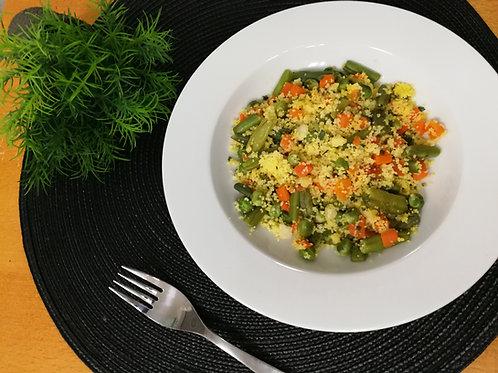 Cuscuz de arroz e milho com legumes