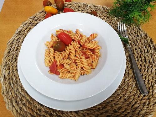 Macarrão de milho com molho de tomate