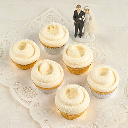 Getting Married Cup Cakes