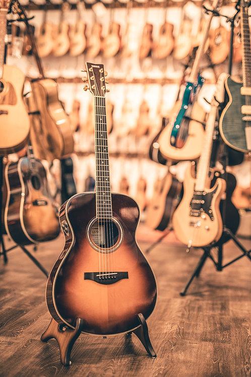Yamaha LL-TA TransAcoustic Gitarre
