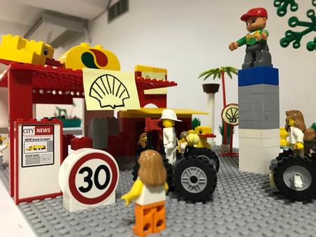 Play in Company utiliza a metodologia LEGO® SERIOUS PLAY® para desenvolver competências e tornar o a