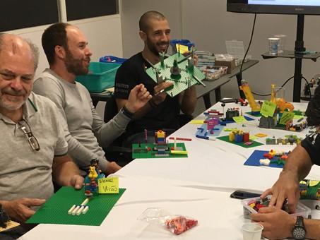 WORKSHOP LEGO SERIOUS PLAY PARA ALINHAMENTO DA ESTRATÉGIA 2017 DA TRIUMPH EXPERIENCE