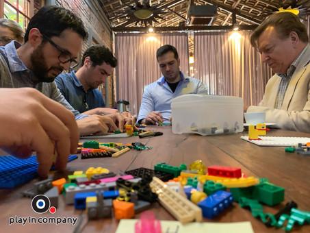 AES TIETÊ CRIA MODELOS DE EXPERIÊNCIA DE ATENDIMENTO IDEAL AOS CLIENTES COM LEGO