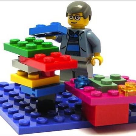 PLANEJAMENTO DE STARTUPS EM 3D COM LEGO SERIOUS PLAY: CONSTRUINDO ESTRATÉGIA EM TEMPO REAL