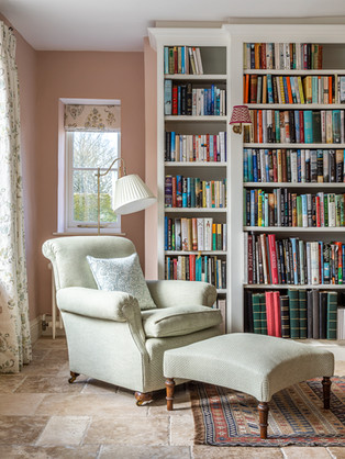 SITTING ROOM IN WILTSHIRE