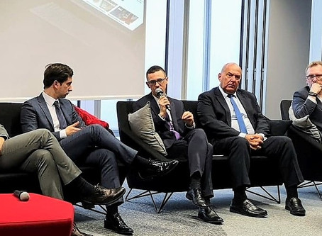 Polska cyfryzuje się szybciej niż Europa. Łatwy dostęp do e-usług dla obywateli i przedsiębiorców