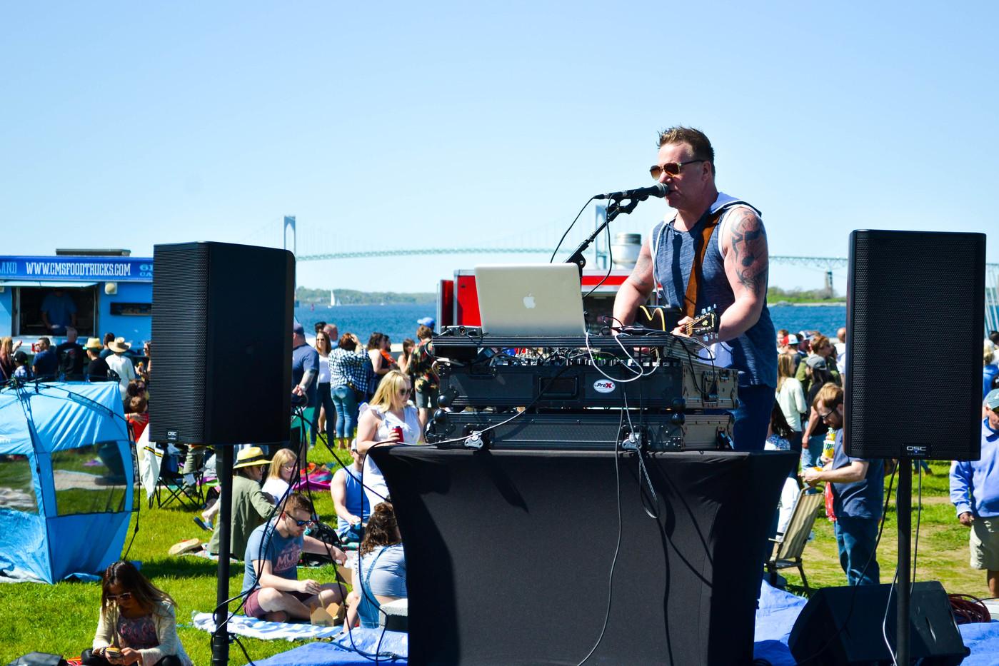 Singer in Newport.jpg