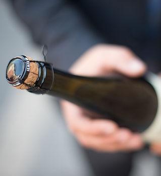 bottle-2147806_1920.jpg