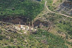 Colonnaded ruins of Pella 1