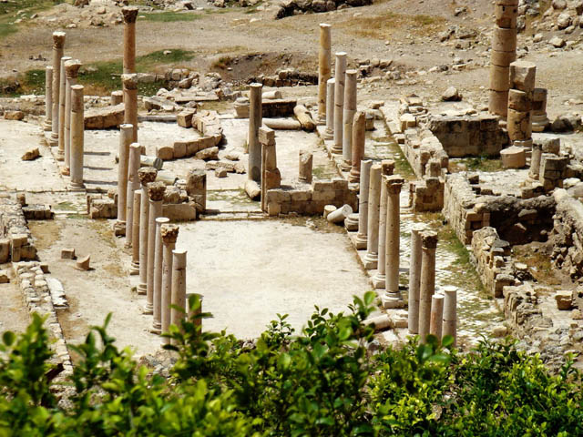 Colonnaded ruins of Pella 4