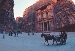 Picture of the Treasury in Petra 5