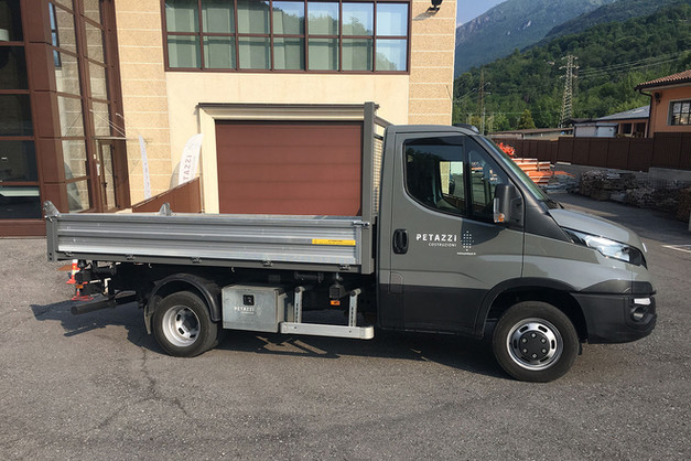 N° 223 - Autocarro IVECO DAILY 50C17