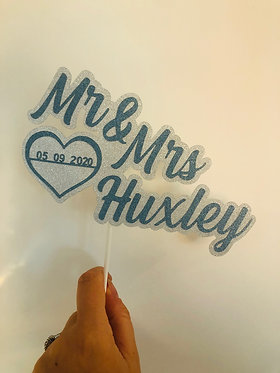 Mr and Mrs cake topper with date