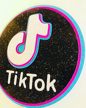 3D Tiktok Topper with age and name charm