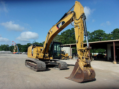 #12389 2015 Cat 323FL TC