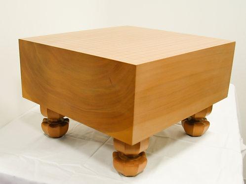 碁盤 北海道産桂材6寸(厚,17,6cm)足付盤