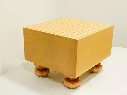 将棋盤 新かや材(スプルス材)6寸(盤厚 約17,6cm)足付盤