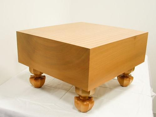 碁盤 北海道産桂材5寸(厚,約14,6cm)足付盤(上)